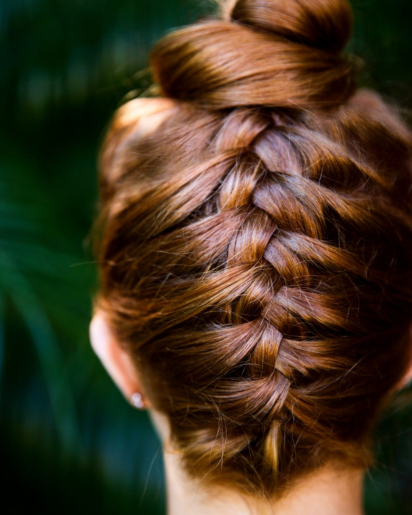 red head, braided hair